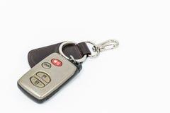 Hombre feliz con nuevo clave del coche Fotografía de archivo
