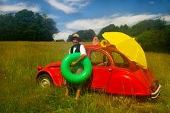 Hombre francés que va a la playa Imagen de archivo libre de regalías