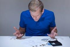 Hombre frustrado en bankrupt Foto de archivo libre de regalías