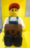 Hombre hecho de los bloques de Lego Imagenes de archivo
