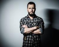 Hombre hermoso con la barba Foto de archivo libre de regalías