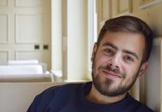 Hombre hermoso con una barba Foto de archivo libre de regalías