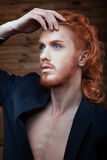 Hombre hermoso del metrosexual Foto de archivo libre de regalías