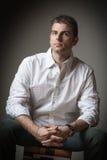 Hombre hermoso del retrato Foto de archivo libre de regalías