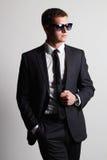 Hombre hermoso en juego Hombre de negocios joven In Sunglasses fotos de archivo