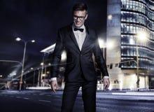 Hombre hermoso joven elegante foto de archivo libre de regalías