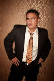 Hombre hispánico escéptico Foto de archivo