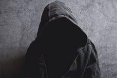 Hombre irreconocible anónimo sin identidad foto de archivo
