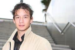 Hombre joven atractivo Fotos de archivo libres de regalías