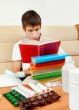 Hombre joven con el libro Imagen de archivo libre de regalías
