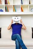 Hombre joven con la cara sonriente fotografía de archivo