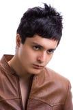 Hombre joven con la chaqueta de cuero 2 Fotos de archivo libres de regalías