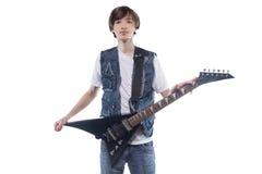 Hombre joven con la guitarra eléctrica Fotos de archivo