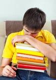 Hombre joven con libros Fotos de archivo
