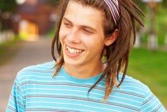 Hombre joven con los dreadlocks Foto de archivo libre de regalías