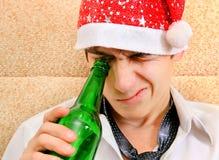 Hombre joven con una cerveza Fotografía de archivo