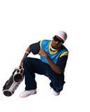 Hombre joven de Hip-hop con el boombox en el fondo blanco Foto de archivo