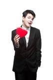 Hombre joven de los asuntos divertidos el el día de tarjeta del día de San Valentín Imagenes de archivo