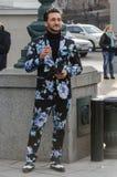 Hombre joven de moda imágenes de archivo libres de regalías
