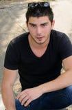Hombre joven de moda hermoso fotos de archivo libres de regalías