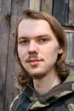 Hombre joven de pelo largo 4 Foto de archivo libre de regalías