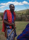 Hombre joven de pueblo del Masai, Kenia foto de archivo