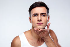 Hombre joven después de afeitar Fotografía de archivo