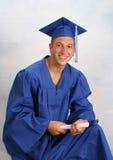 Hombre joven en casquillo y vestido Fotos de archivo libres de regalías