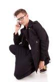 Hombre joven en el teléfono Fotos de archivo libres de regalías