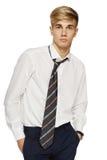 Hombre joven en la camisa y el lazo blancos Imágenes de archivo libres de regalías