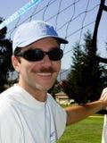 Hombre joven en la red imágenes de archivo libres de regalías