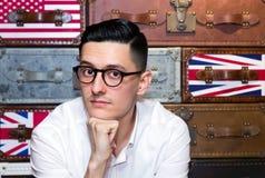 Hombre joven en lentes Imágenes de archivo libres de regalías