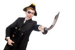 Hombre joven en traje con el sombrero del pirata aislado encendido Imagenes de archivo