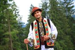 Hombre joven en traje del hutsul Foto de archivo