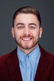 Hombre joven en traje formal Imágenes de archivo libres de regalías