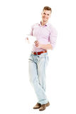 Hombre joven feliz con la tableta - cuerpo completo aislado Imagen de archivo libre de regalías