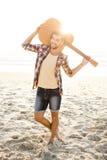 Hombre joven hermoso en la playa Fotografía de archivo