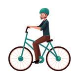 Hombre joven, individuo que monta la bicicleta urbana, completando un ciclo en casco Fotos de archivo