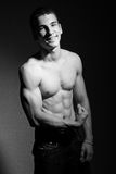 Hombre joven muscular Imagen de archivo libre de regalías