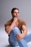 Hombre joven muscular Imagenes de archivo