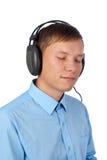 Hombre joven que disfruta de su música Imagenes de archivo