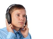 Hombre joven que disfruta de su música Fotos de archivo