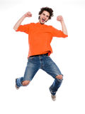 Hombre joven que grita alegría feliz Imagen de archivo libre de regalías