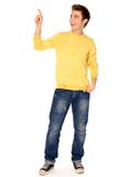 Hombre joven que señala el dedo Imagen de archivo