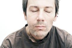 Hombre joven que sufre del dolor de muelas, dolor de dientes Fotos de archivo libres de regalías