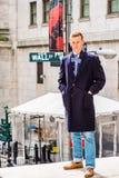 Hombre joven que viaja en Nueva York Fotografía de archivo libre de regalías
