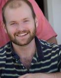Hombre joven sonriente Imagen de archivo