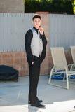 Hombre joven vestido pozo Foto de archivo libre de regalías