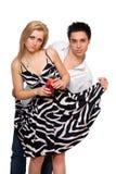 Hombre joven y muchacha con el coctel fotografía de archivo