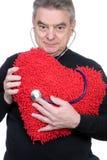 Hombre maduro con el corazón fotos de archivo